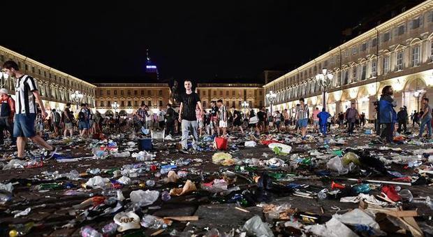 TORINO: CERIMONIA RICORDA VITTIME PIAZZA SAN CARLO A TRE ANNI DA TRAGEDIA