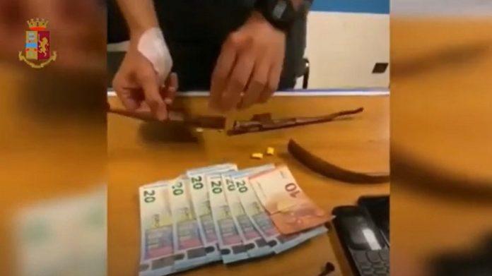 TORINO: DROGA NASCOSTA IN AMULETO PORTAFORTUNA, ARRESTATO PUSHER